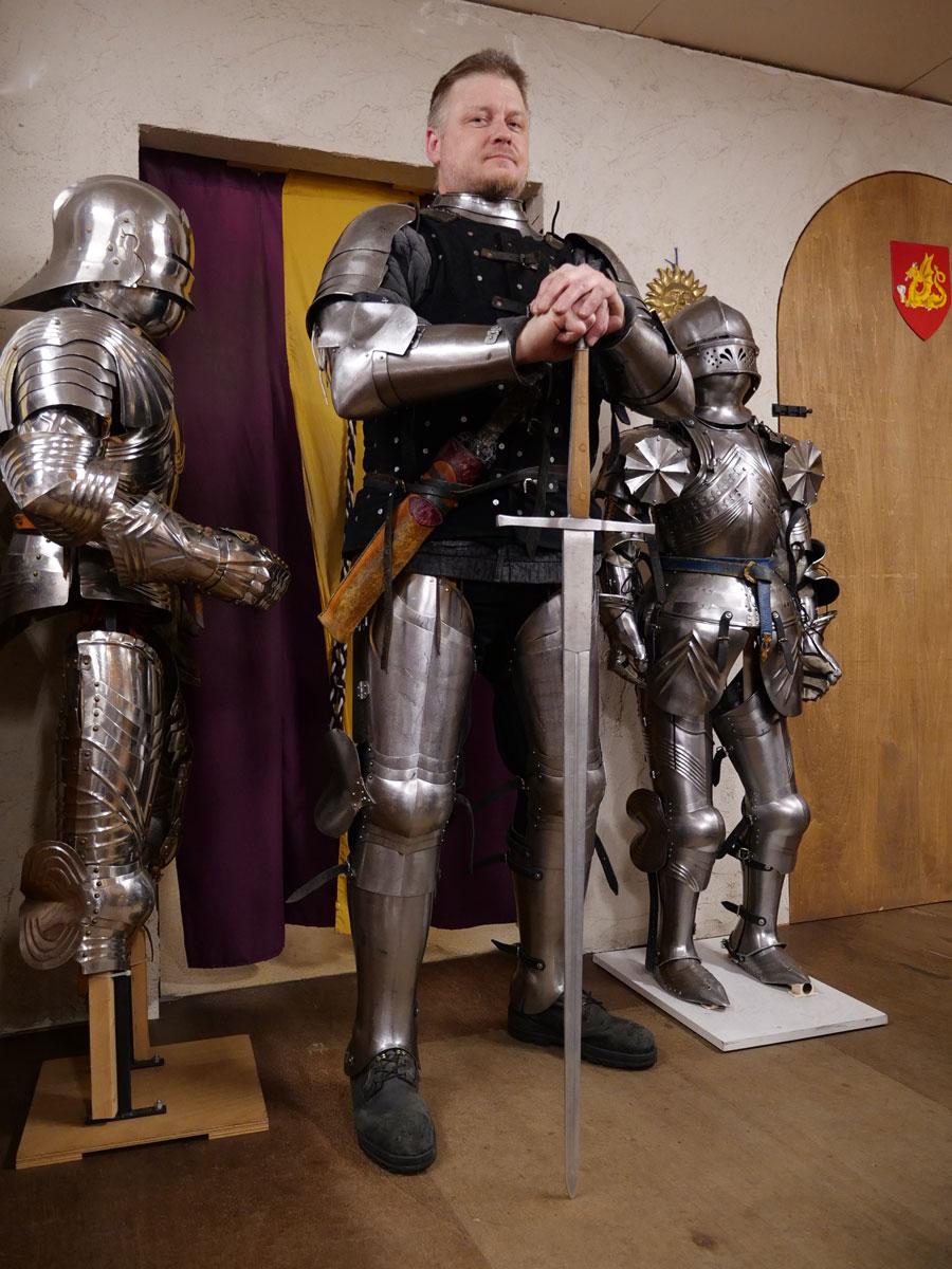 Heavy metal: Moonlighting knights and medieval swordplay in Tokyo